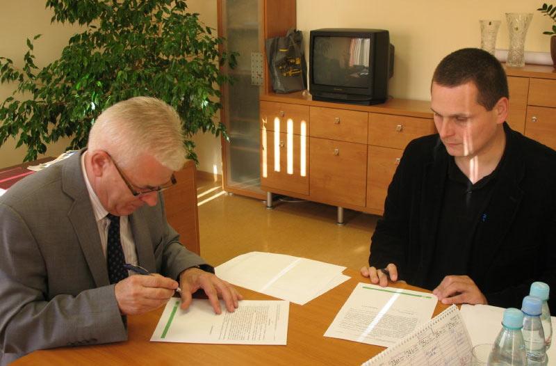 Podpisanie umowy na Promocję Projektu RZZO w Dębowcu