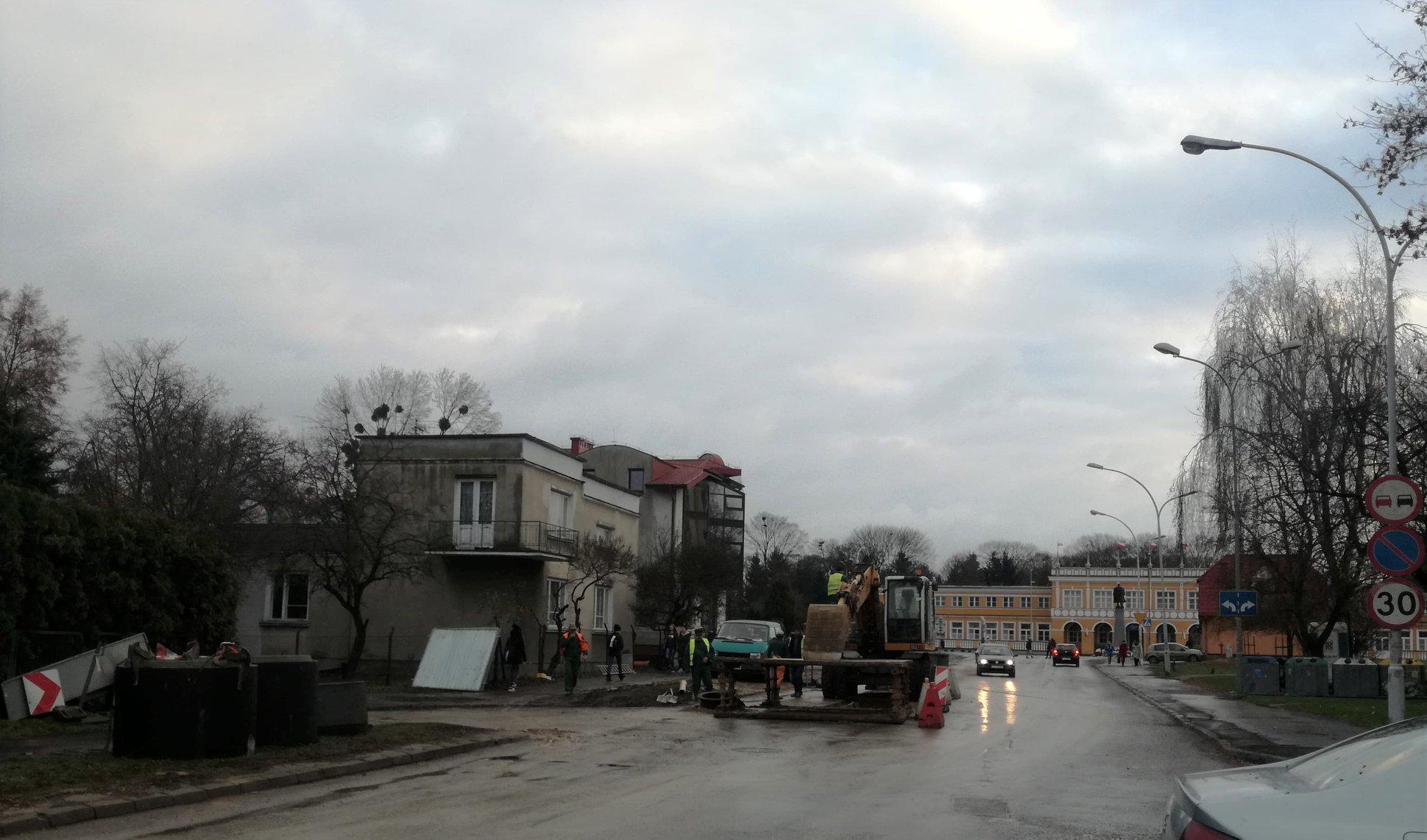 Renowacja sieci kanalizacji sanitarnej przy ul Okrzei